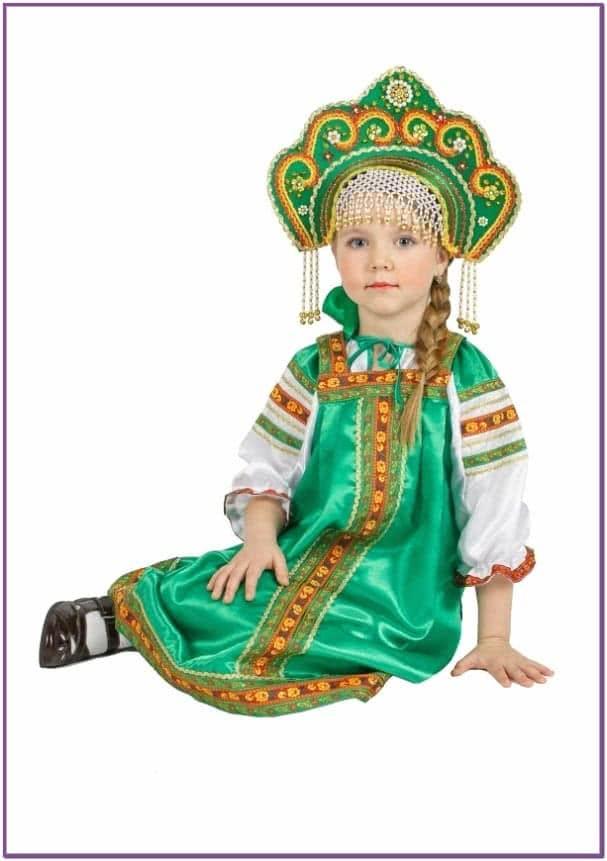 Атласный зеленый костюм Аленушка