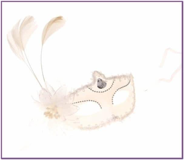 Белая маска с цветком