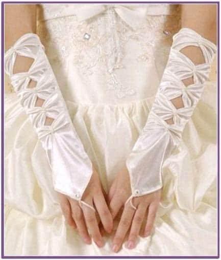 Белые сатиновые перчатки