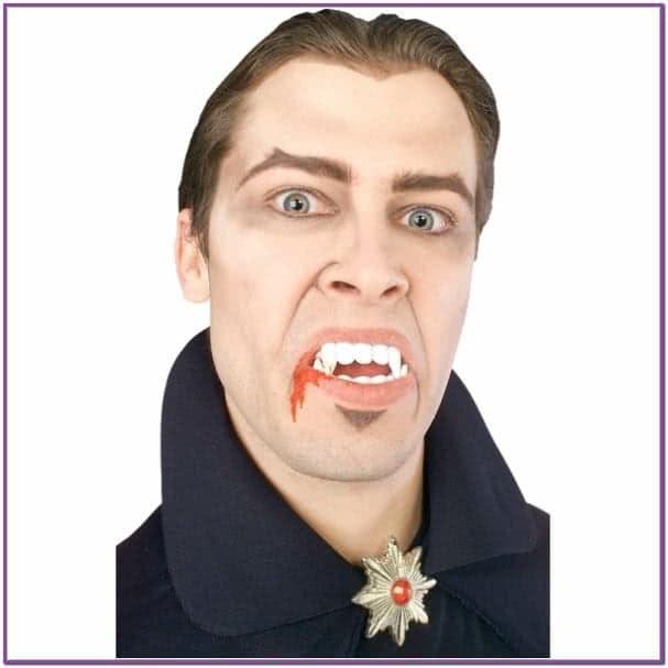 Челюсти осатаневшего вампира