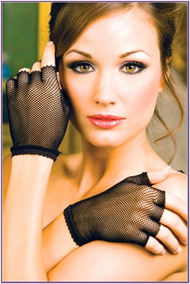 Черные короткие перчатки из сетки