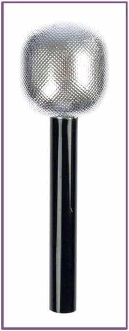 Игрушечный серебряный микрофон