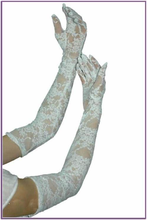 Изящные белые перчатки