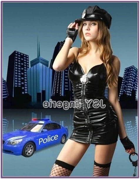 Костюм  полицейской черный