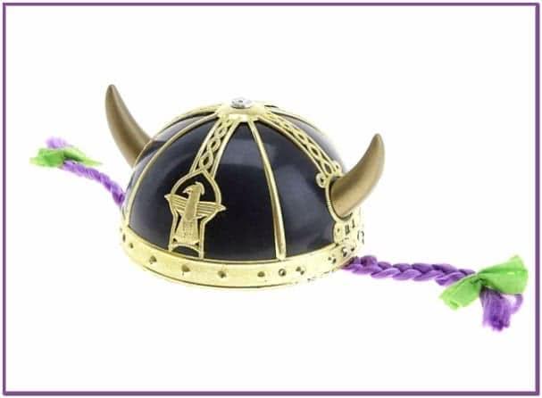 Шлем викинга с рогами и косами